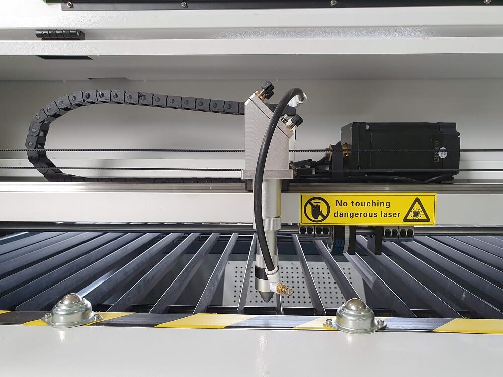 Laser CNC Seria Pro Plus 5