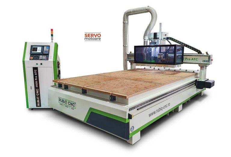 Router CNC cu magazie de scule